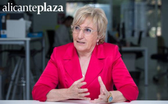 AlicantePlaza: Sanidad reitera que el Hospital de Torrevieja revertirá al sistema público en octubre de 2021