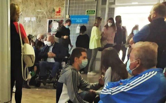 """ANTE LAS COLAS INTERMINABLES DE ENFERMOS SIN MEDIDAS DE SEGURIDAD ANTI COVID EN EL HOSPITAL DE ALZIRA """"SANIDAD EXCELENTE"""" MUESTRA SU PROFUNDA PREOCUPACIÓN"""