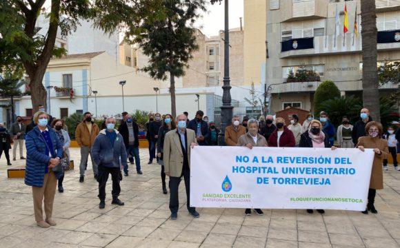 VUELVE LAS CONCENTRACIONES DE 3 MINUTOS DE SILENCIO EN PROTESTAR POR EL DESASTRE QUE SUPONE LA REVERSIÓN DEL HOSPITAL DE TORREVIEJA